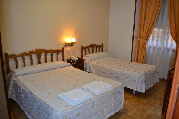 Hostal AWA Madrid City Center