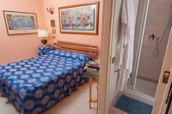 Babri Simin Taj BnB De Luxe in Roma