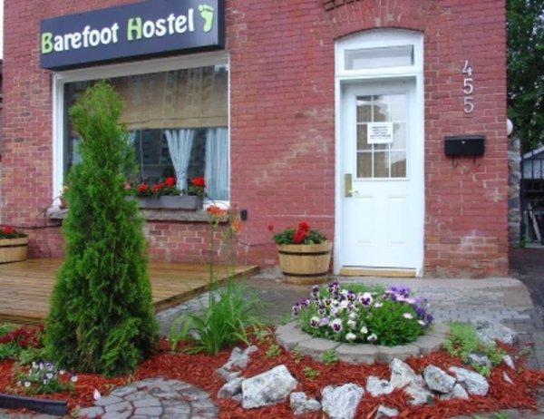Barefoot Hostel