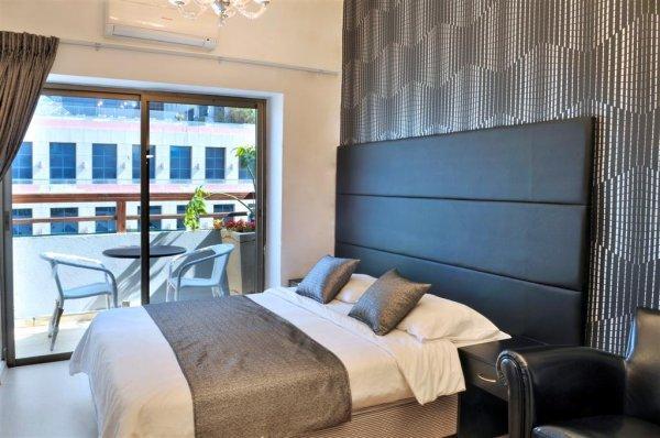 Liber Seashore Suites