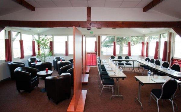 Comfort Hôtel CDG Goussainville