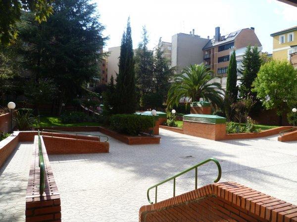 Village Apartments Avenida de América