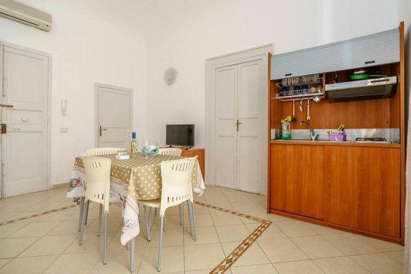 Angelo Apartments