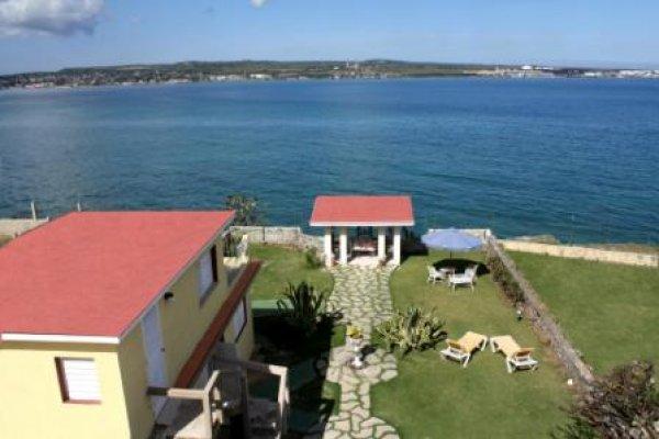 Villa Costa Azul