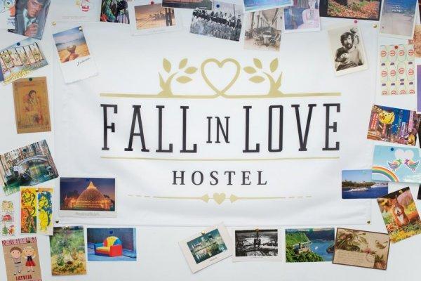 Hostal Fall In Love