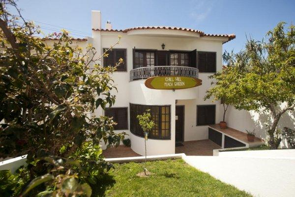 Hostal Ericeira Chill Hill  and Private Rooms  - Peach Garden