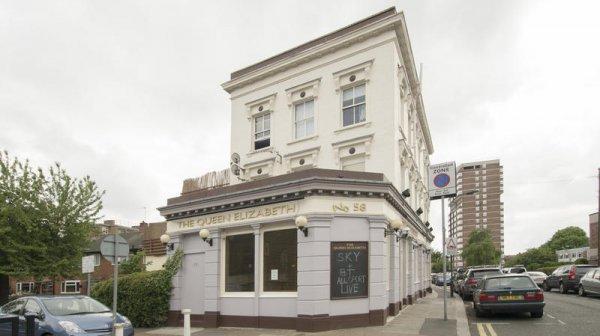 Hostal Queen Elizabeth Pub &  Chelsea