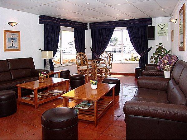 Regina Apartments***