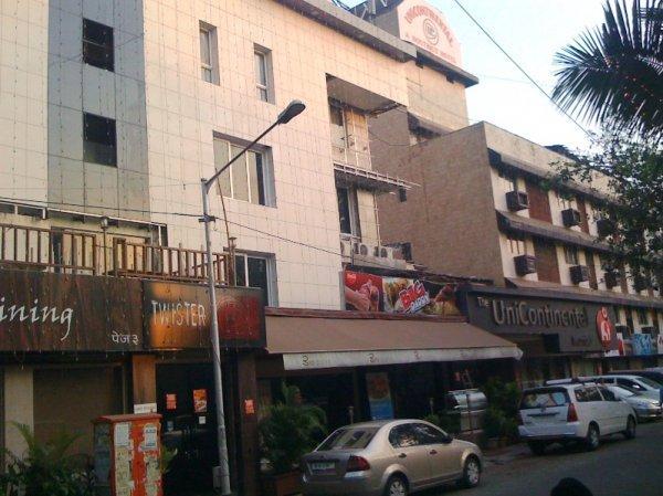 Hotel Singhs International