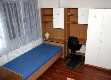 Rooms4Young