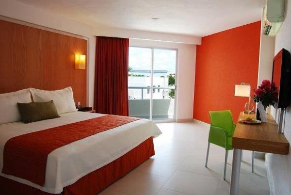 Ramada Cancun City Hotel