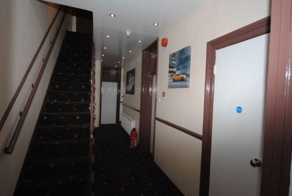 Tonys House Hotel