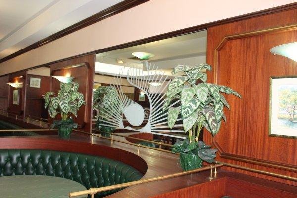 Euro Hotel Paris Metro St Denis