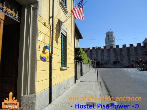 Hostal  Pisa Tower