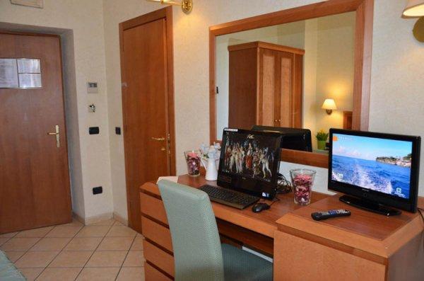 Mia Cara Hotel