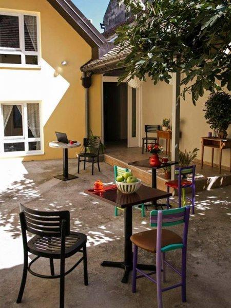 Hostal Varad Inn Boutique  and Cafe