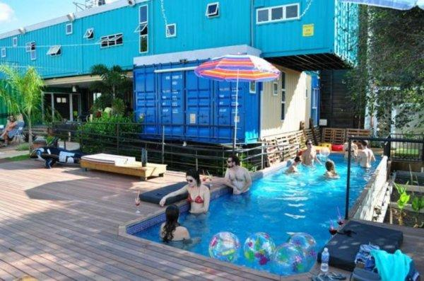 Hostal Tetris Container
