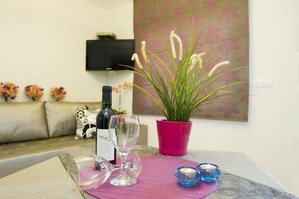 Nuriel Guest Rooms With Jacuzzi - Galilee