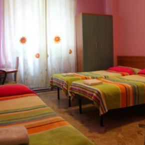 Hostales y Albergues - Hotel Brivio