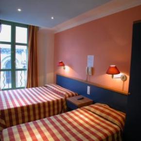 Hostales y Albergues - Hotel Du Centre