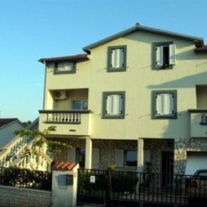 Hostales y Albergues - Villa Zagora