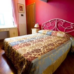 Hostales y Albergues - Guest House Garibaldi