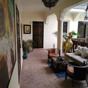 Hostales y Albergues - Riad Nomades