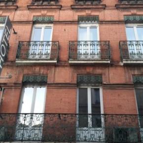 Hostales y Albergues - Boreal Hotel