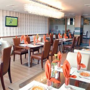 Hostales y Albergues - Amarpreet Hotel