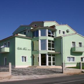 Hostales y Albergues - Villa Tisa
