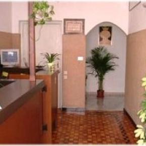 Hostales y Albergues - Hotel San Tomaso