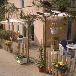 Hostales y Albergues - Hotel Stars Antibes