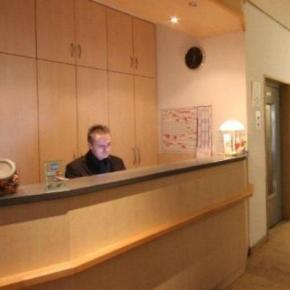 Hostales y Albergues - Hansa Hotel