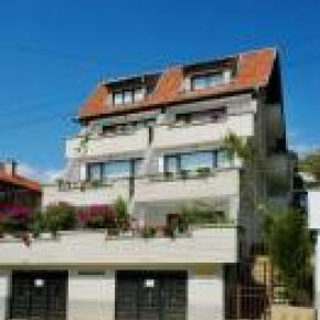 Hostales y Albergues - Temenuga Guest House