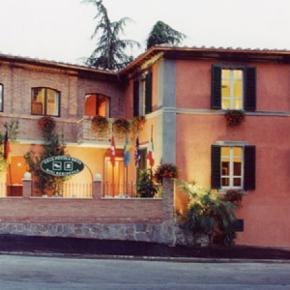 Hostales y Albergues - Villa Piccola Siena