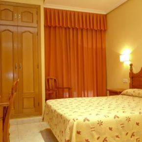 Hostales y Albergues - Hostal Toledo