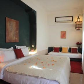 Hostales y Albergues - Riad Sara Guest House