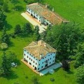 Hostales y Albergues - Villa Zane