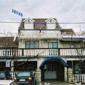 Hostales y Albergues - Evropa Hotel
