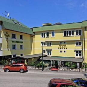 Hostales y Albergues - Belvedere Hotel