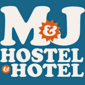 Hostales y Albergues - Hostal M and J Place