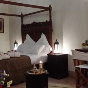 Hostales y Albergues - Al Ksar Riad & Spa