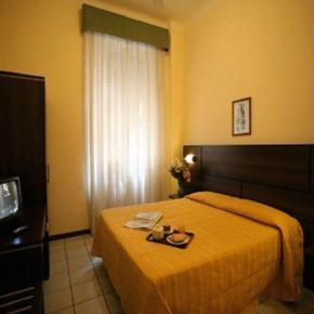 Hostales y Albergues - Hotel La Pace