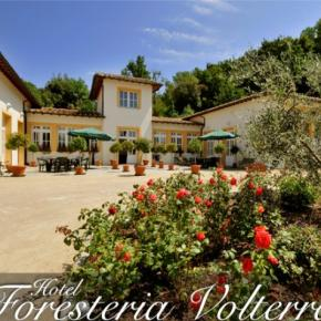 Hostales y Albergues - Hotel Foresteria Volterra