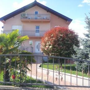Hostales y Albergues - Casa Gagro