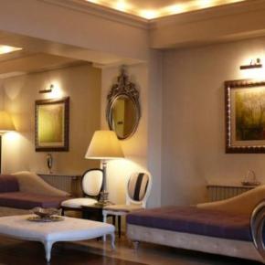 Hostales y Albergues - Arc de Triomphe Hotel