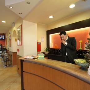 Hostales y Albergues - Hotel della Volta