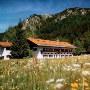 Hostales y Albergues - Hostal Schliersee    /Jugendherberge Schliersee