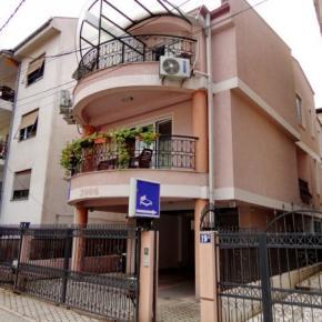 Hostales y Albergues - Villa Ld