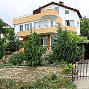 Hostales y Albergues - Villa Popov